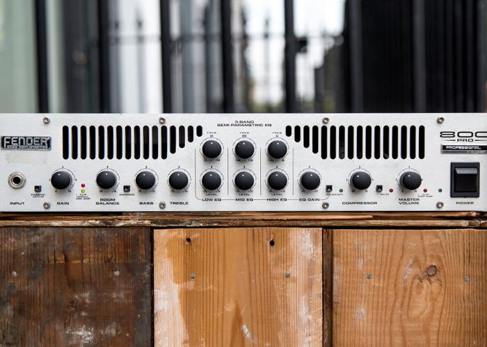 Fender 800 Pro Bass Amp Head - 1