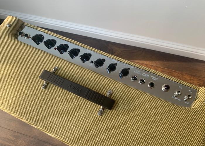Fender Blues DeVille 4x10 - 2