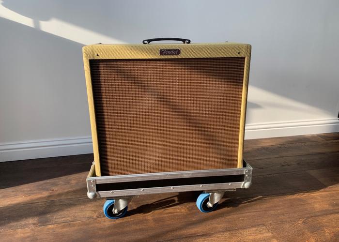 Fender Blues DeVille 4x10 - 1