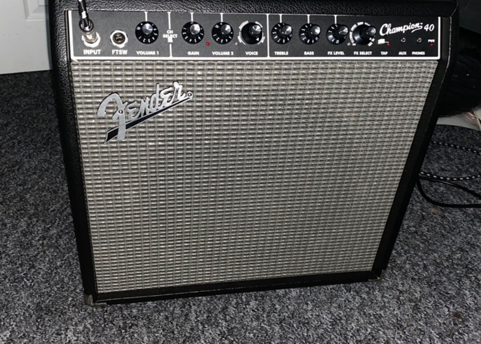 Fender Champion electric guitar amplifier - 1