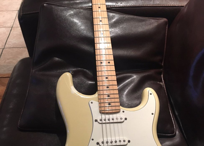 Fender Stratocaster Made in USA - 1