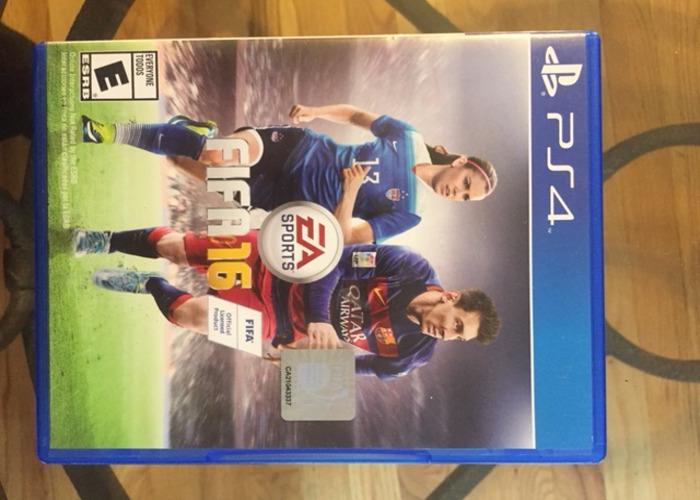 FIFA 16 - Standard Edition - PlayStation 4  - 1
