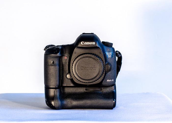 Filmmaker Pro Package - 5Diii + Lenses - 1