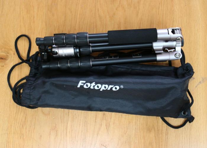 FotoPro X-Go 5-Section Carbon Fiber Tripod - 1