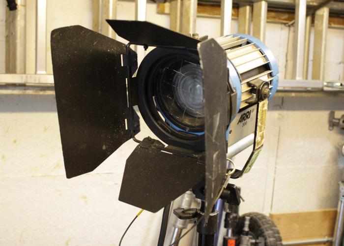 Fresnel Lighting Kit for Film/Video - 1