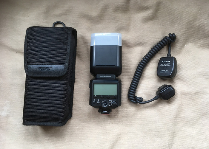 Fuji EF-X500 Flashgun + Off camera Flash Cord - 1