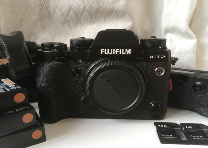 Fuji XT-2 + 2XLENS KIT + Fuji 10-24mm IS lens + 56mm 1.2 lens + SD cards - 2