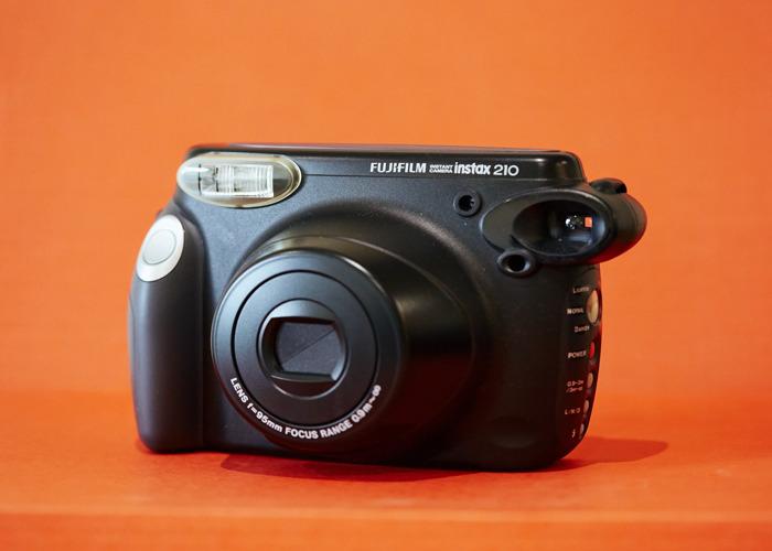 FUJI INSTAX Wide ( Fujifilm instax 210 ) - 1