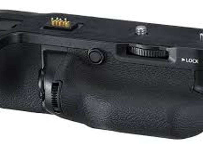 Fujifilm VG GFX-1 Vertical Grip - 1