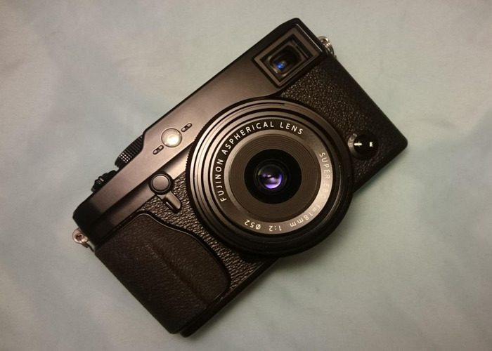 "Fujifilm X-PRO1: gorgeous ""compact"", all button controls - 1"