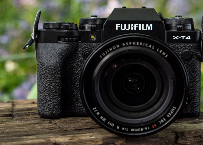 Fujifilm X-T4 body + lens 16-80mm f4 - 1