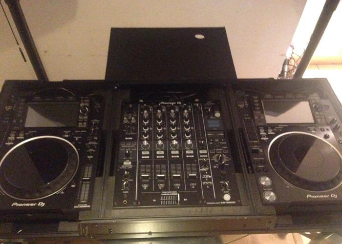 Full Pioneer CDJ Set Up - 1