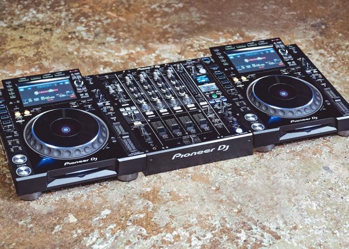 Full Pioneer NXS2 DJ Setup - 1