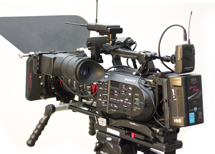 Fully rigged Sony FS7 with Canon CN E 18-80 and mattebox - 2