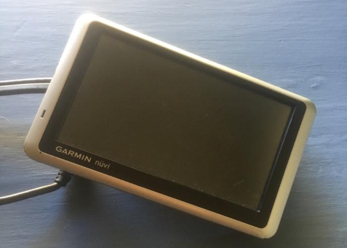 Garmin Nuvi GPS - 1
