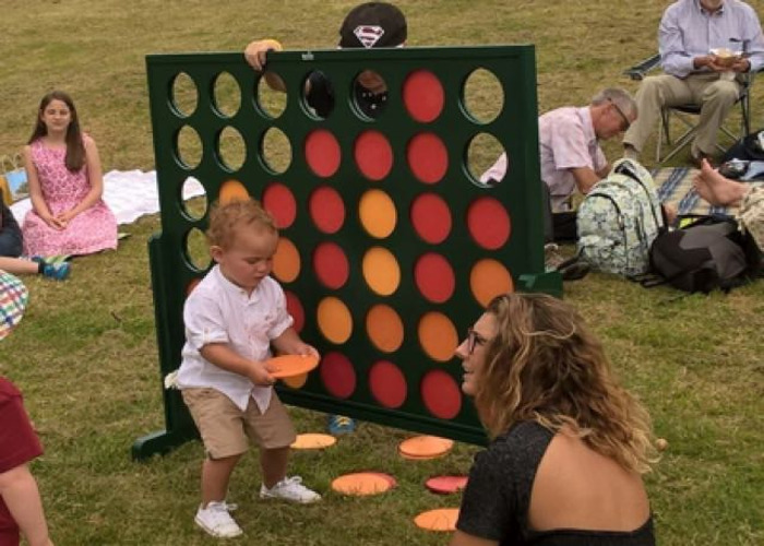 Giant Connect 4/Four - 1