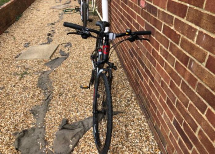 Giant Hybrid Bike  - 2