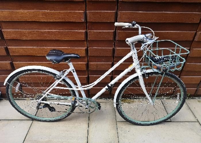Giant Via ladies bike with basket  - 1