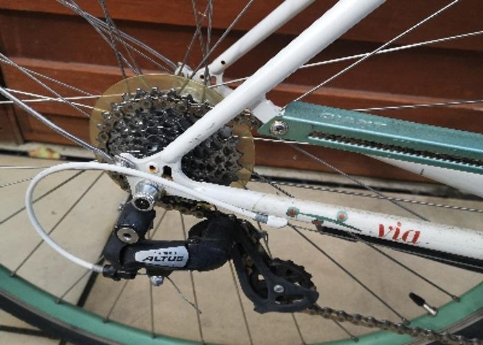 Giant Via ladies bike with basket  - 2