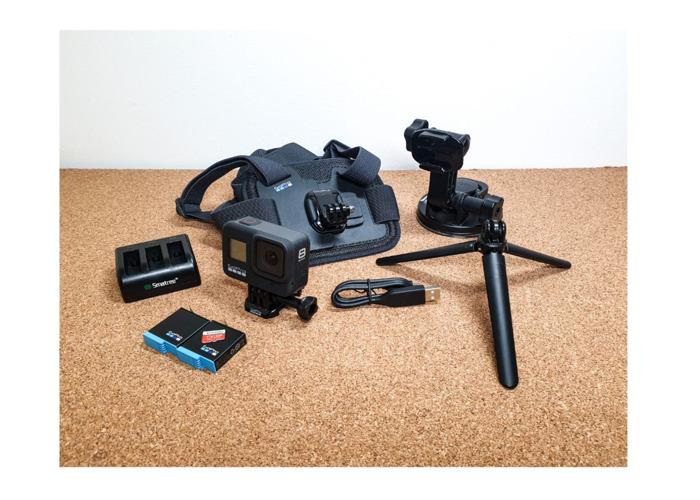 Gopro 8 Balck - 2x Batteries, Chest, Sucker mount, tripod 128 GB SD - 1