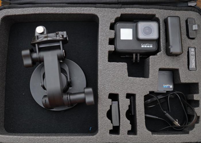 GoPro Hero 7, 4 x batteries + suction mount - 1