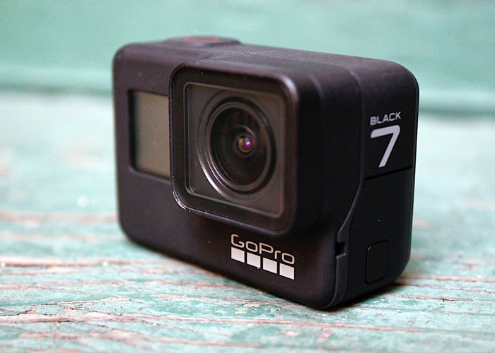 GoPro Hero 7 Black + Accessories - 1