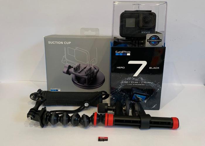 GoPro Hero 7 Black 4K & Mount Kit 128GB Card - 1