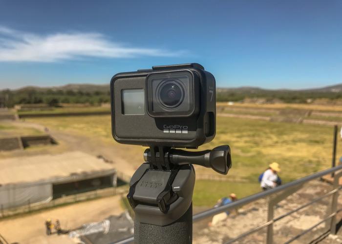 GoPro Hero 7 Black w/ 2x batteries, 2x 64 Gb microSD cards - 1