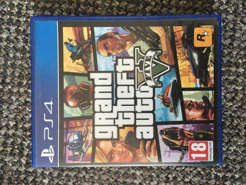 Grand Theft Auto 5 PS4 - 1