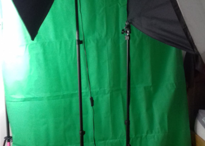 Green Screen (Backdrop + frame only) - 1