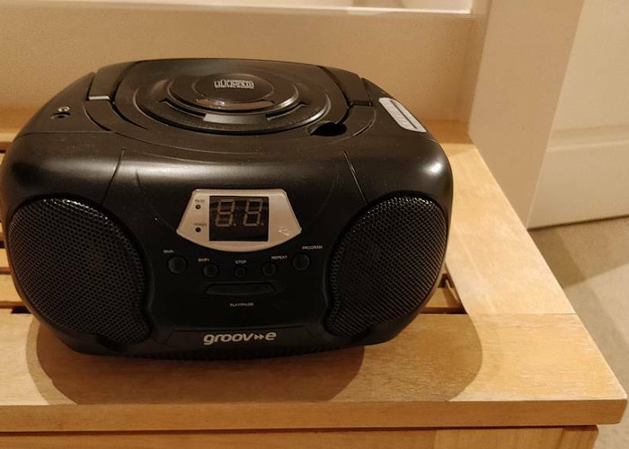 Groove Portable CD Player/Radio - 1
