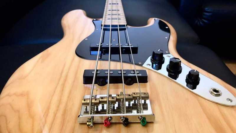 Harley Benton Jazz Style 4 String Bass - 1