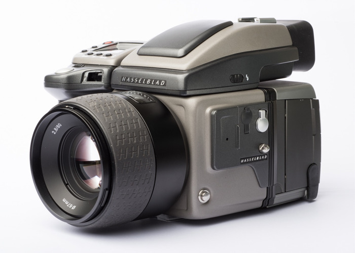 Hasselblad H2 + 80mm ƒ2.8 lens + Phase One P65+ digital medium format camer - 1