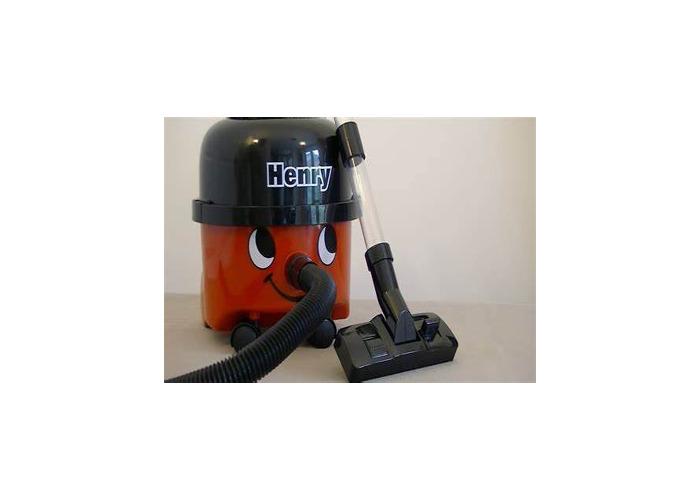 Hatti the vacuum cleaner - 1
