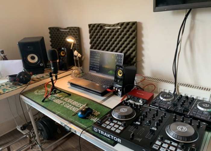 Home Studio for Hire b/h Low Budget - 1