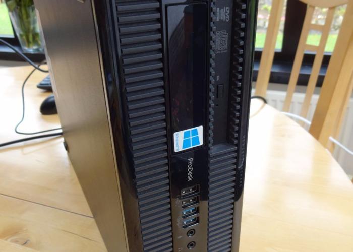 HP DeskPro Desktop PC - 2