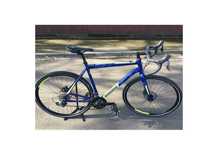 Hybrid bike, Shimano gears, digital odometer, excellent condition - 1