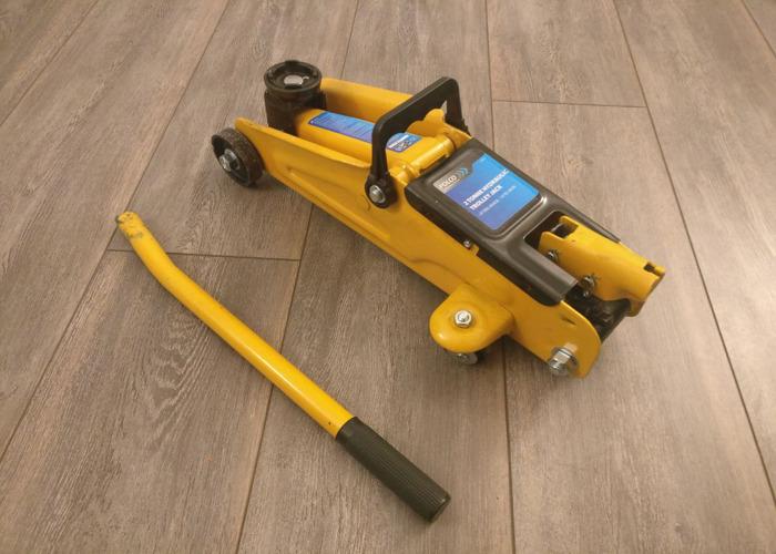 Hydraulic Floor Jack - 1