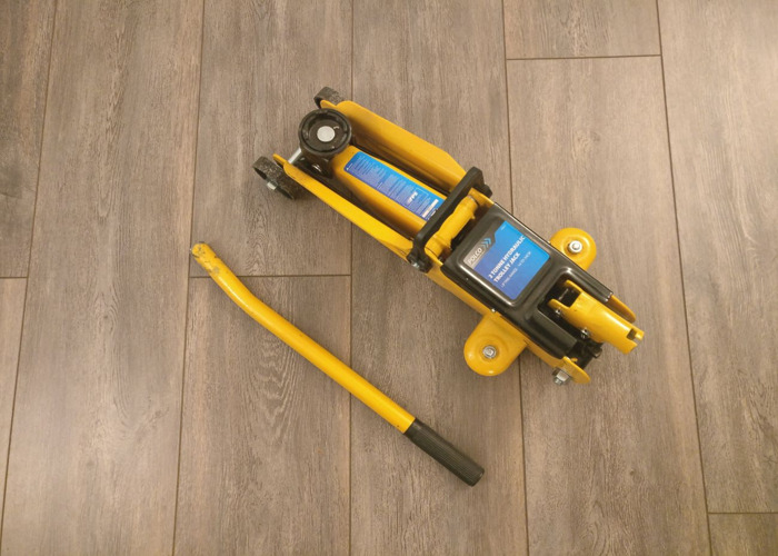 Hydraulic Floor Jack - 2
