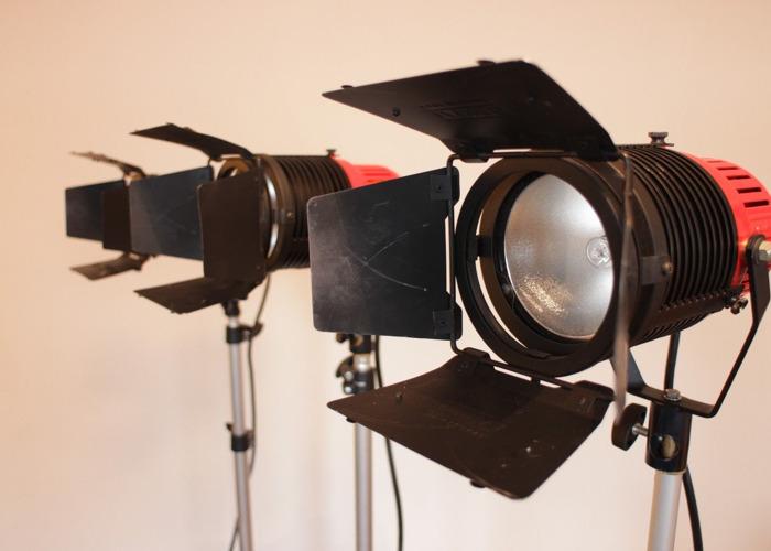 IANIRO Gulliver 300w Halogen continuous lighting kit - 1