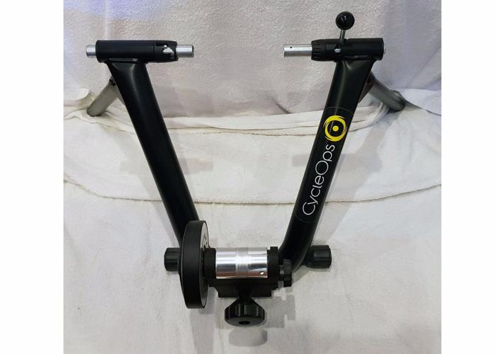 Indoor Cycle Trainer - Cyclops Magnetic - 1