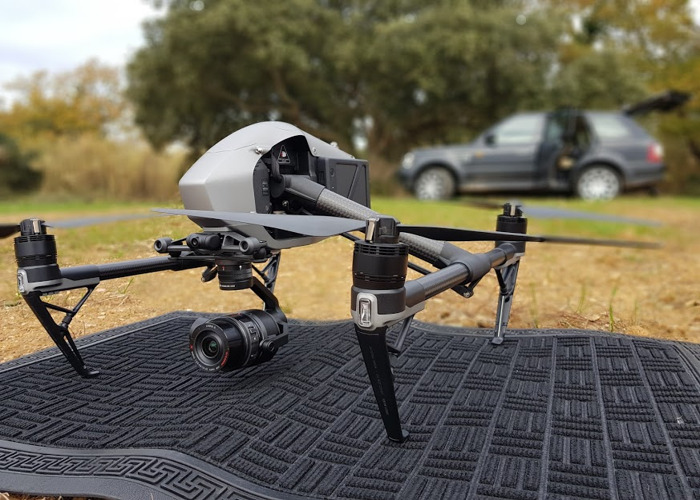 inspire 2-and-zenmuse-x5s-5k-with-operator-20591239.jpg