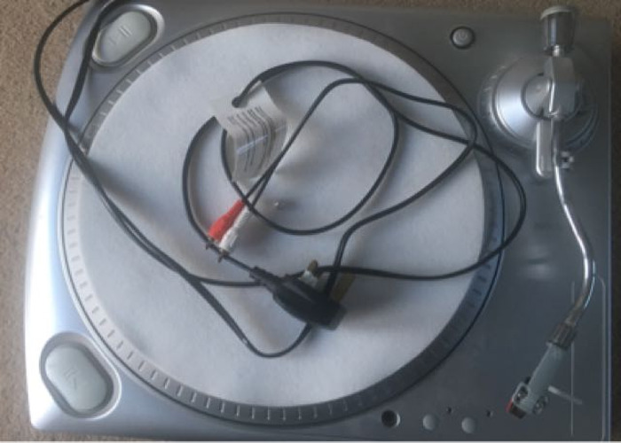 Ion Vinyl To MP3 Record Deck Converter  - 1