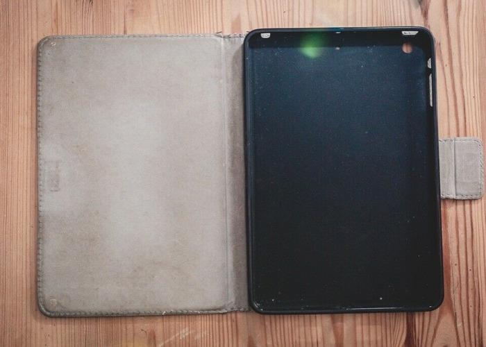 iPad Mini 2 - 16GB - Wifi - White (Like new) - 2