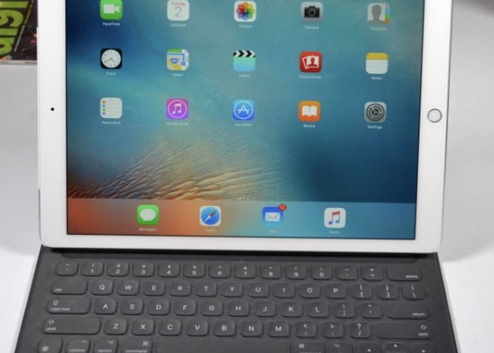 "Ipad pro 12.9"" and keyboard  - 2"