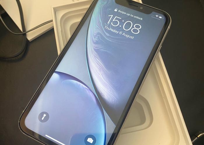 Iphone xr 64GB UNLOCKED  - 1