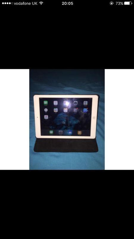 iPad 16gb wifi and cellular  - 1