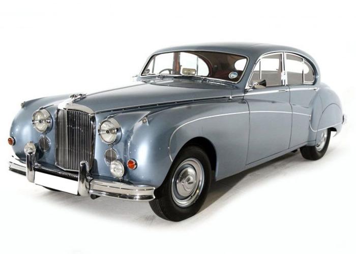 Jaguar Mk IX Saloon (1961) - 1