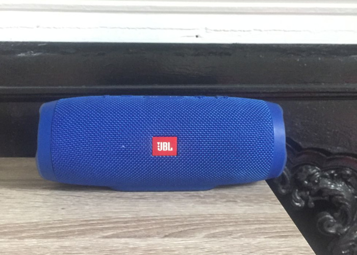 jbl charge-3-portable-wireless-speaker--66161210.JPG