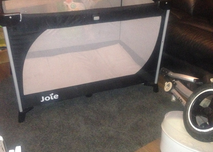 Joie travel cot with bassinet fix on - 1